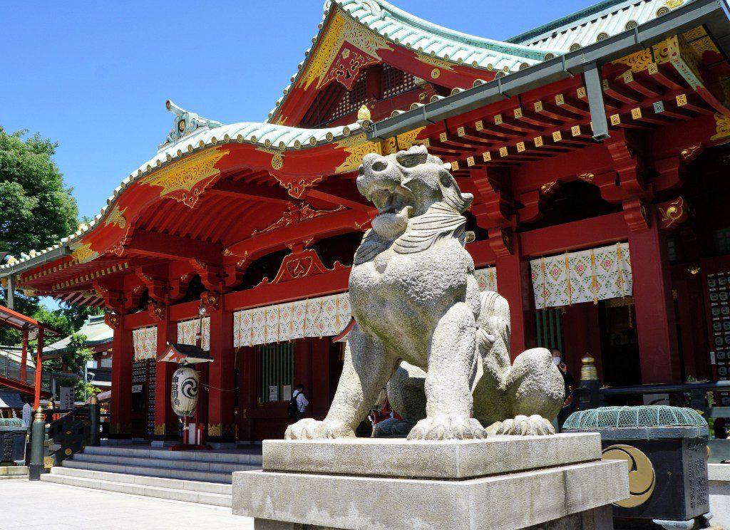 神田明神 狛犬と拝殿