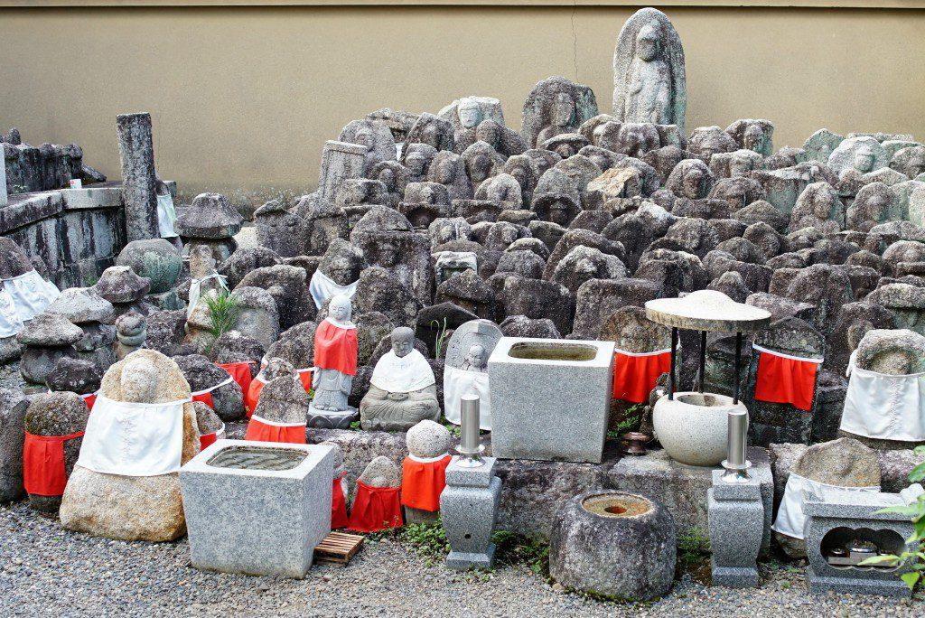 大徳寺 石仏 山 たくさん