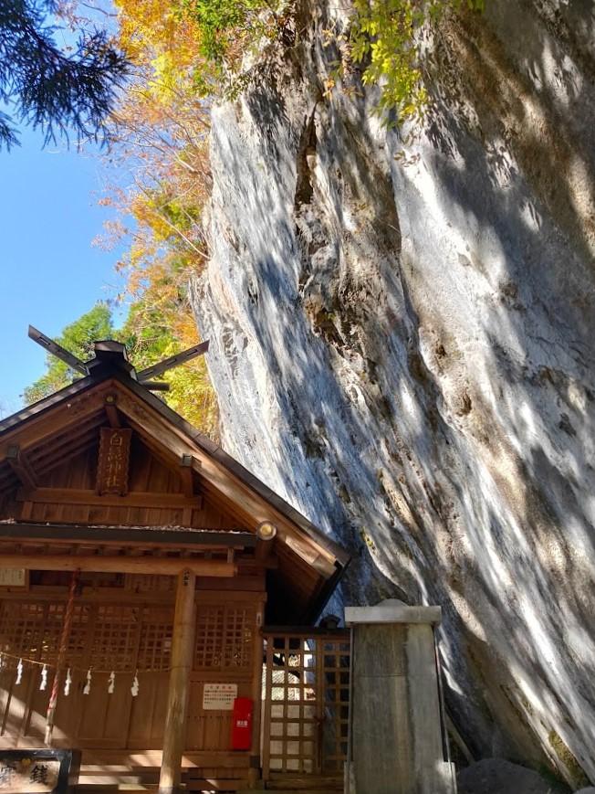 奥多摩 白髭神社 崖